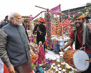 Modi's day out at Hunar Haat