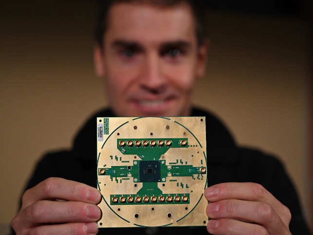 Horse Ridge, a cryogenic control chip, is reportedly capable of making quantum computers slimmer, faster and less reliant on coolants.