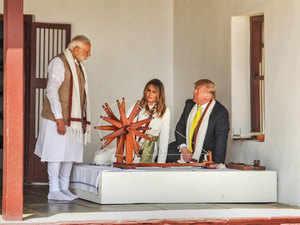 Modi-trump-charkha-pti