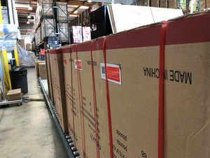 Warehouse reut