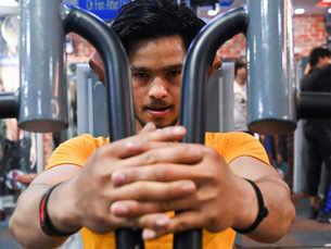Delhi's rebel gym goers risk virus to pump iron