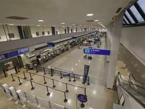 empty-airport-agencie
