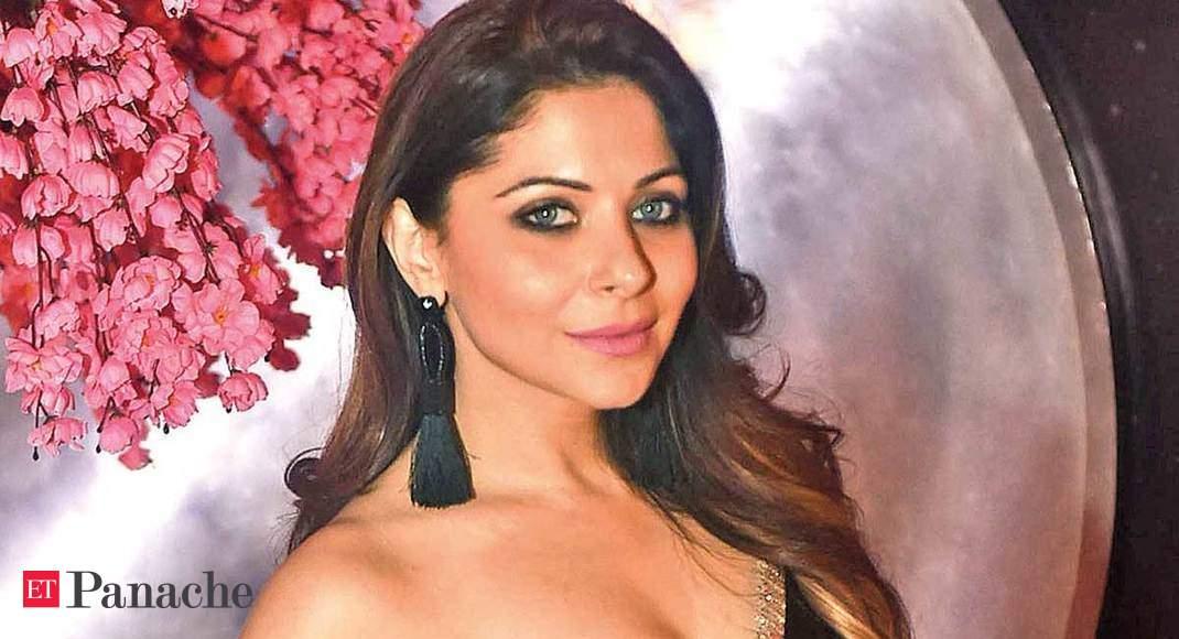 Kanika Kapoor tests positive for coronavirus for third time thumbnail