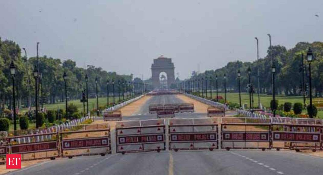 Centre suspends 2 Delhi government officers, showcauses 2 others over 'lapses' during lockdown