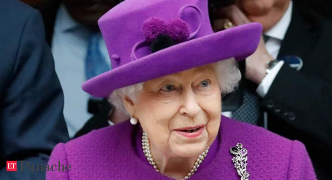 Queen Elizabeth's aide tests positive for Covid-19, monarch leaves for Windsor