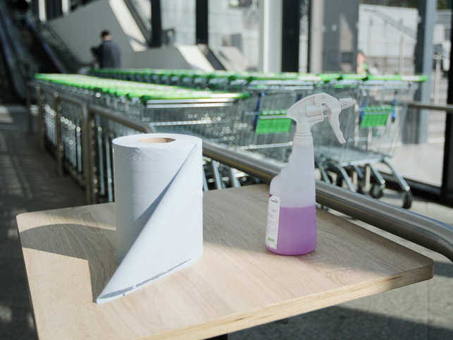 Paper towels can reduce the risk of coronavirus contamination and spread.