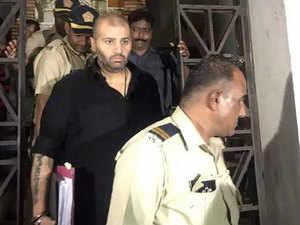 Maharashtra govt requests ED-CBI to take Wadhawans into custody