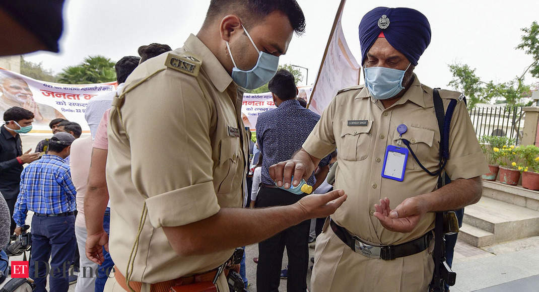 ITBP hands over 2,000 PPE kits, masks to CISF Delhi metro unit