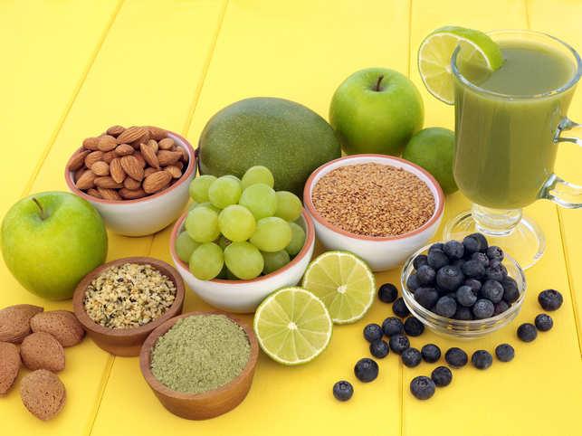 matcha-drink-fruits-smoothie_iStock
