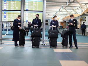 airline-crew-reuter