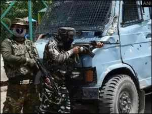 Army Colonel, Major among 5 martyred in encounter in J&K's Handwara