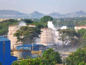 vizag gas leak pti