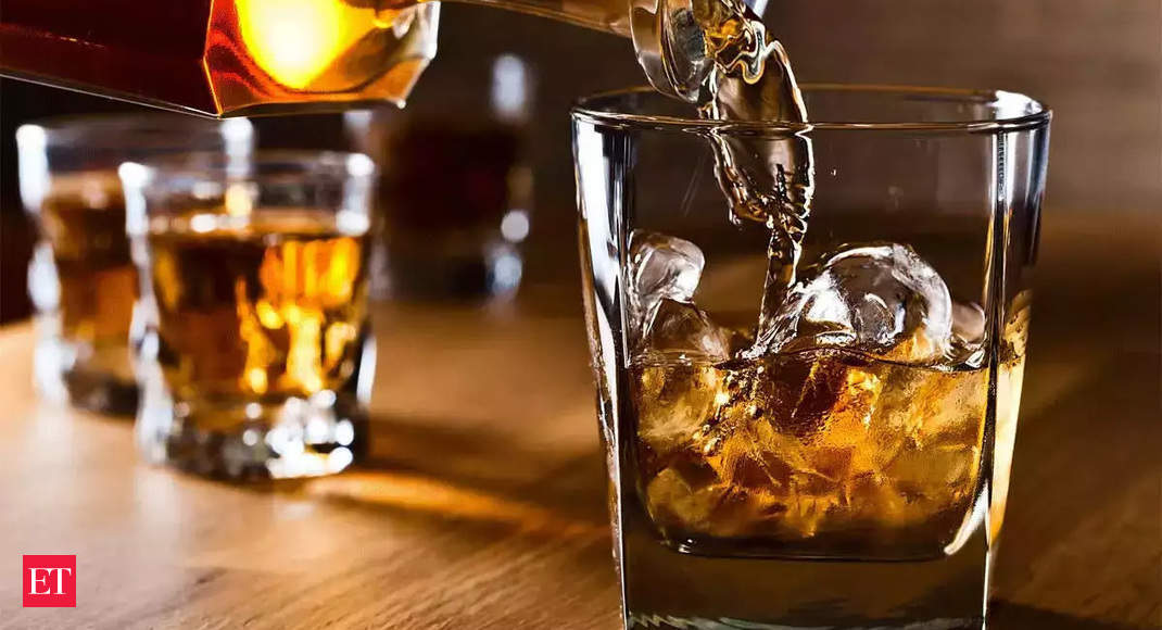 Liquor makers, restaurants pitch for home delivery of booze; suggest several models
