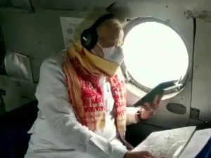 Cyclone Amphan: PM Narendra Modi, Mamata Banerjee conduct aerial survey