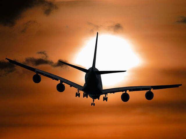 https://img.etimg.com/thumb/msid-75973029,width-640,imgsize-56318,resizemode-3/flights-resumption.jpg