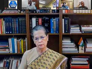 Sonia Gandhi asks Centre to unlock coffers to help needy