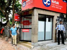 Uday Kotak sells 2.8% in Kotak Mahindra Bank for 6,900 crore