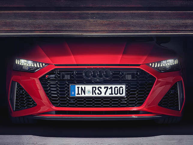 Customers can visit the official website and experience the Audi RS 7 Sportback in augmented reality as well.
