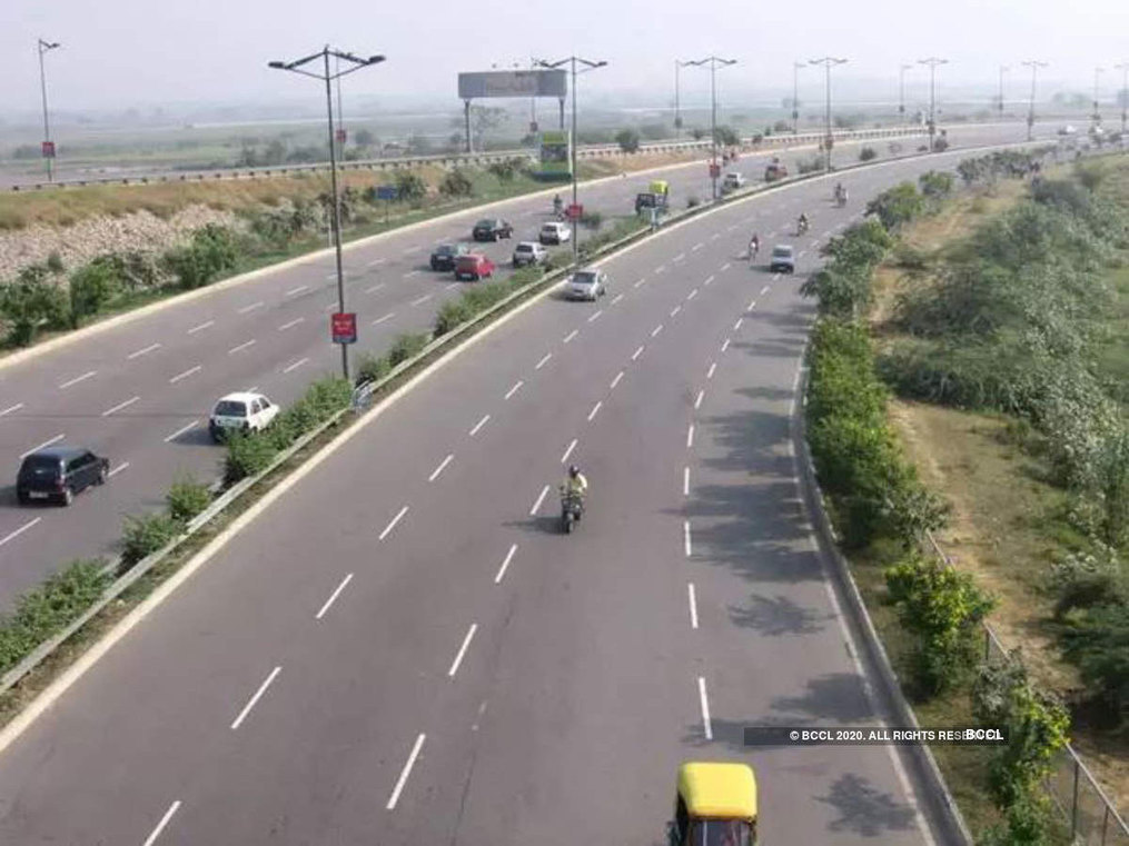 Local over foreign: Govt likely to cancel Chinese firm's bids for Delhi-Mumbai expressway