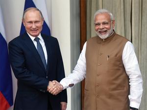 Vladimir Putin Pm Modi And Vladimir Putin Discuss S 400 Strategic Ties The Economic Times