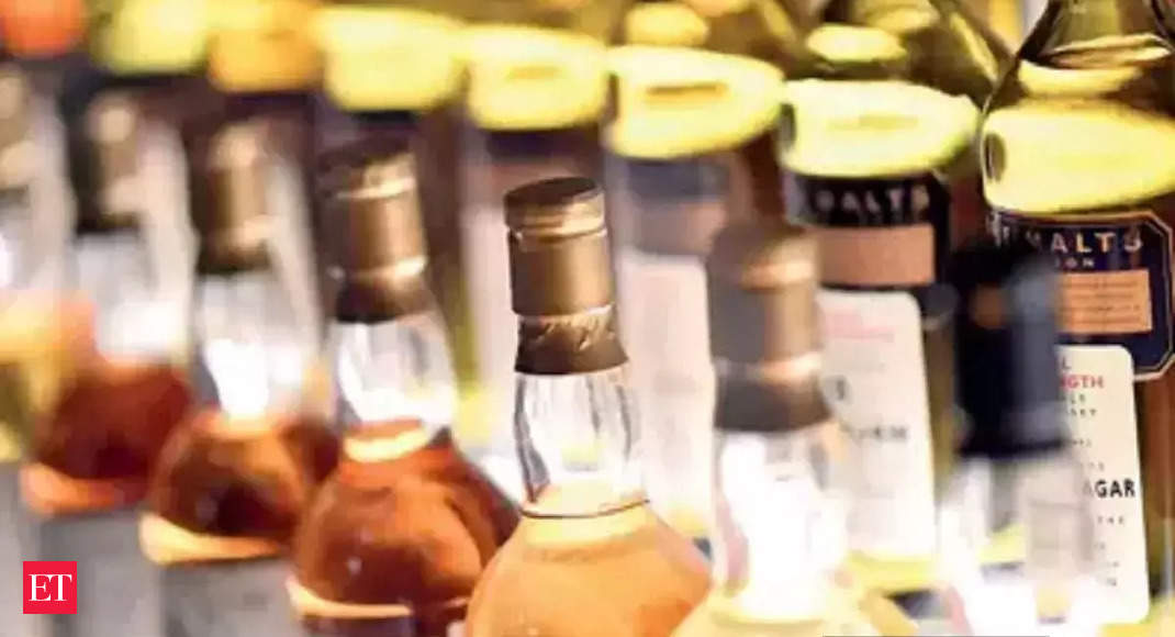 Maharashtra allows hotels to take in and sell new liquor stock