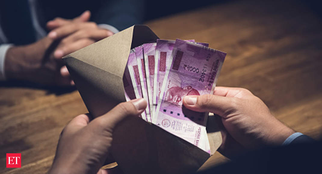 Centre's order to pay full wages to workers can't be for those unpaid before lockdown: HC - The Economic Times