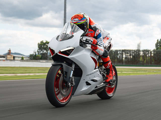 Book BS-VI version of your Ducati Panigale V2 at Rs 1 lakh