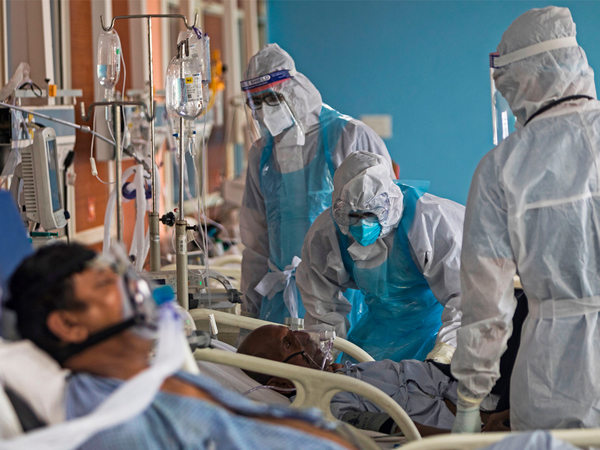 Ignoring pressure and sparse knowledge, doctors think on their feet to valiantly battle a wily virus