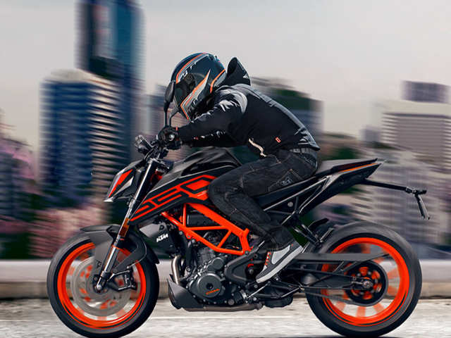 Upgraded version of KTM 250 DUKE with Supermoto mode priced at Rs 2.09 lakh