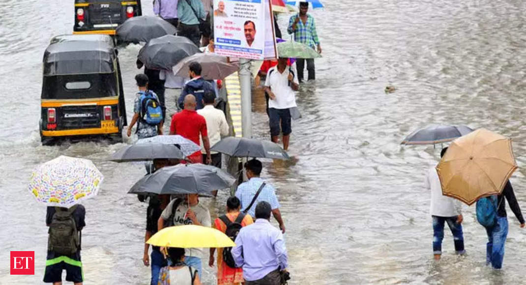 Heavy downpour in Mumbai area; rail, highway transport affected