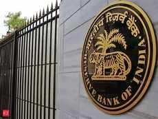 RBI holds rates; What should debt mutual fund investors do?