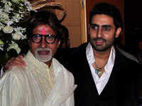 Abhishek Bachchan tests negative for Covid-19, Big B welcomes him back home