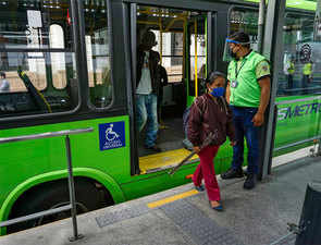 Is it safe to ride public transit during the pandemic? You can take steps to minimise risk