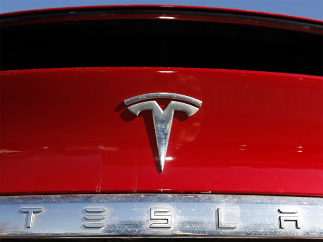 Tesla Wants To Use In-Car Millimeter Wave Technology