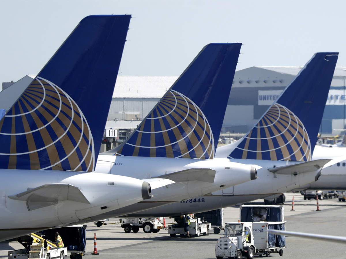 United Airlines Latest News Videos Photos About United Airlines The Economic Times
