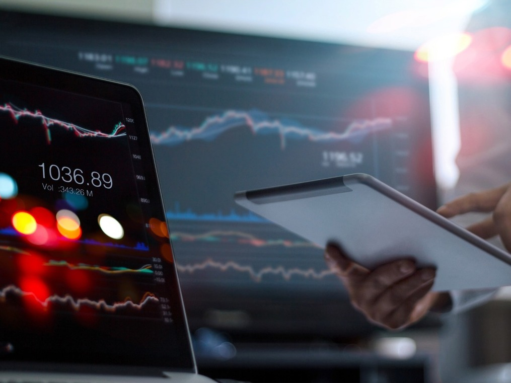Want to use technical analysis to pick stocks? Here are 7 tools experts use that can help you too