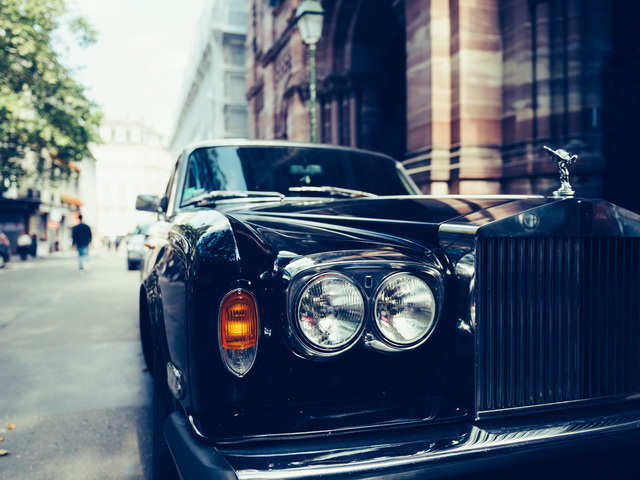 Watch out, Aston Martin & Maserati! Rolls-Royce rolls out $332,500 Ghost powered by 563-horsepower engine