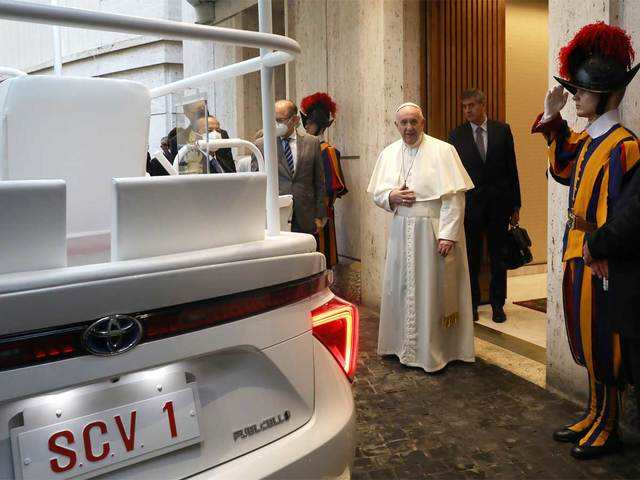 Pope Francis gets a hydrogen-powered Toyota Mirai