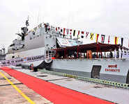 Indian Navy Chief reviews naval capabilities