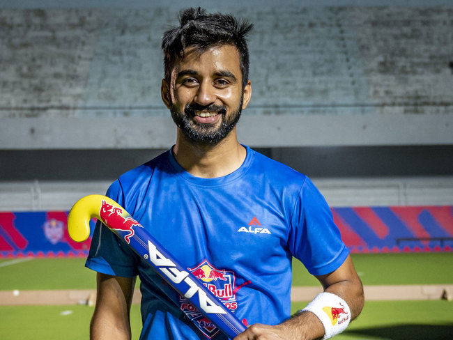 Manpreet Singh wants to buy a Range Rover for his fiancée and name it  'Tokyo' if India get gold at Olympics - The Economic Times