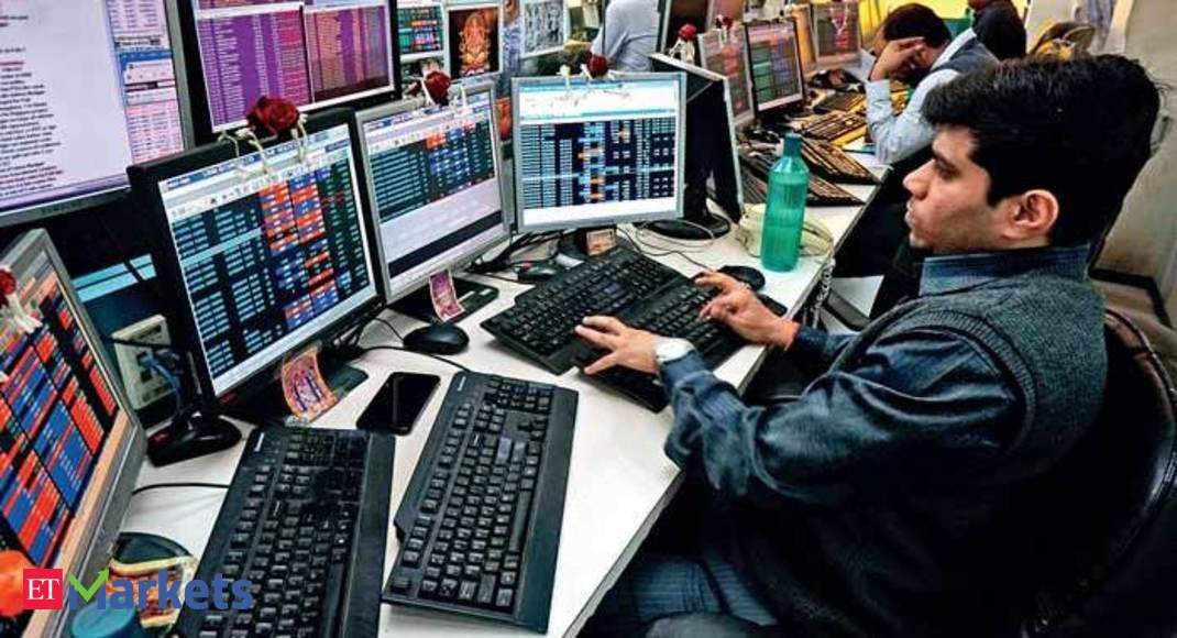 D-St fall in numbers: Banks drag key indices, 188 stocks hit lower circuits, 79 drop 5-20% - Economic Times