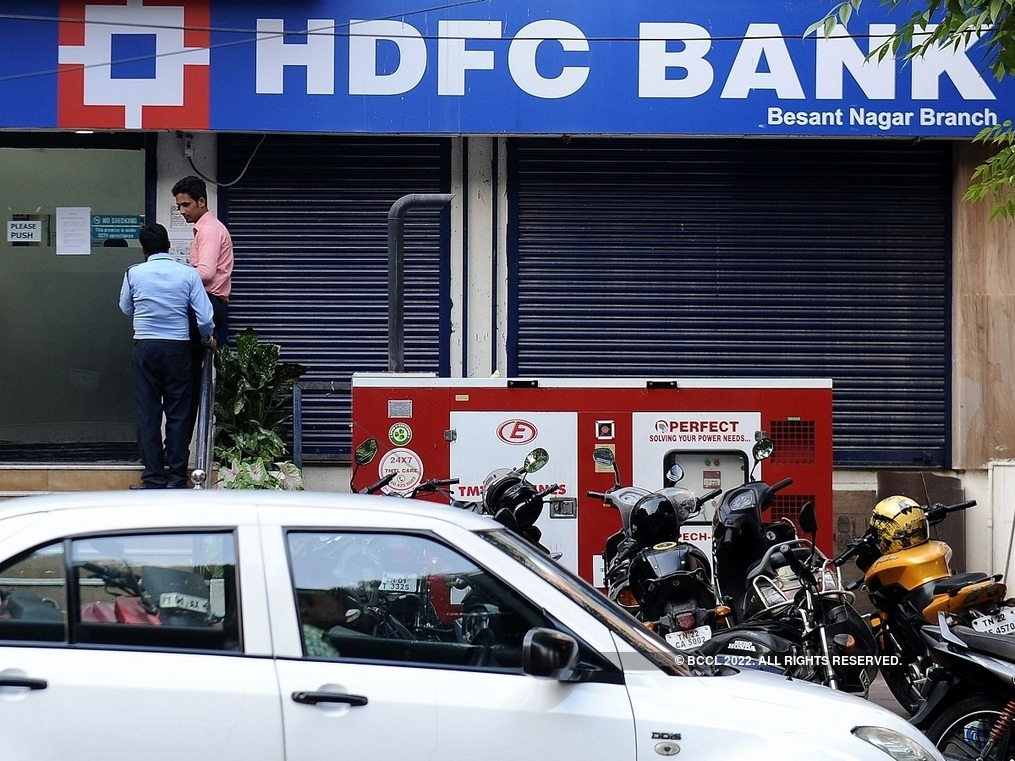 Will RBI curbs hurt HDFC Bank stock?