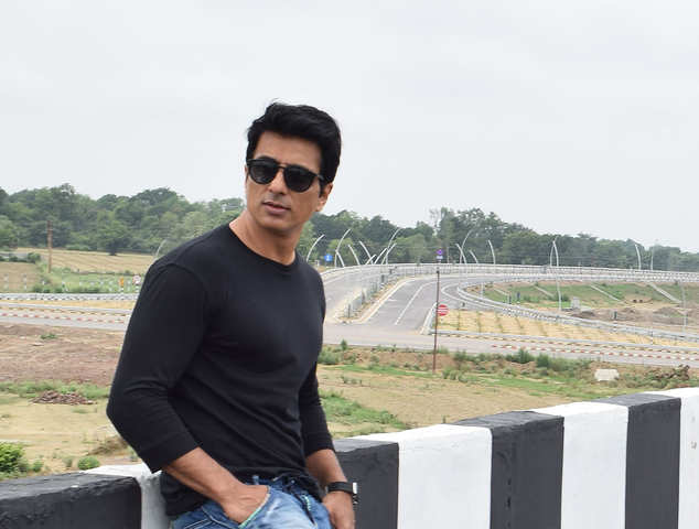 Sonu Sood moves SC a day after Bombay HC rejected his plea against BMC's illegal construction notice