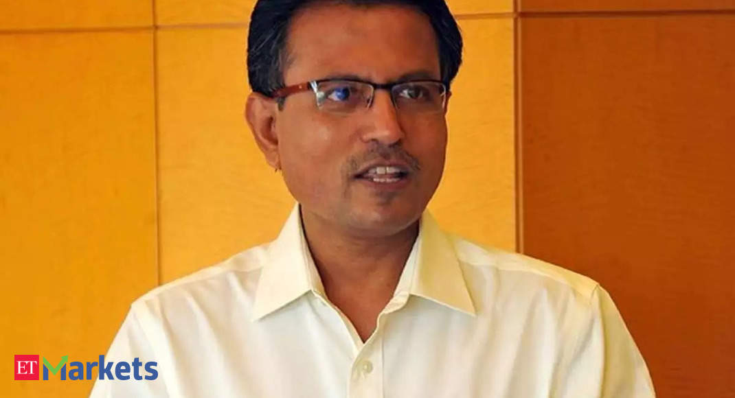 Nilesh Shah explains why outflows from MFs continue even as SIPs are in limelight - Economic Times