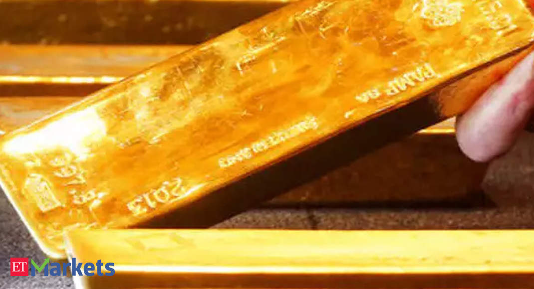 Low gold prices spark flurry of activity in India - Economic Times