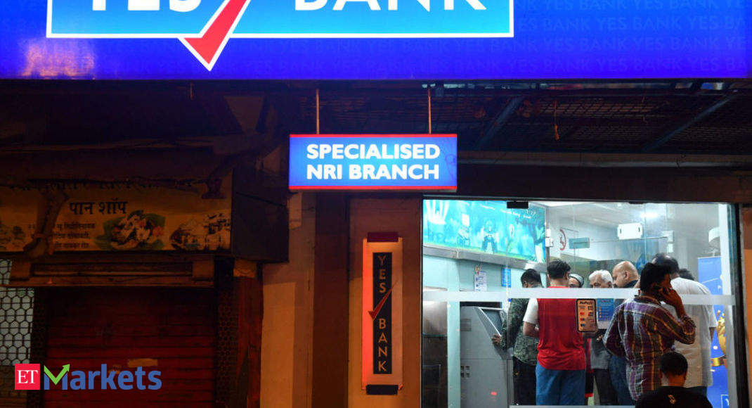 YES Bank gets majority vote of shareholders for Rs 10,000 cr fund mop-up - Economic Times