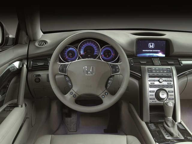 Honda unveils partially self-driving sedan, Legend, in Japan at $102K