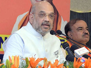 Amit Shah slams Mamata's 'appeasement politics', says no curb to be imposed on festivals if BJP wins polls