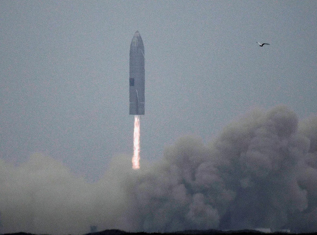 SpaceX Accepts Dogecoin As Payment For Lunar Mission To The Moon; GEC Said Launch Will Be In 2022