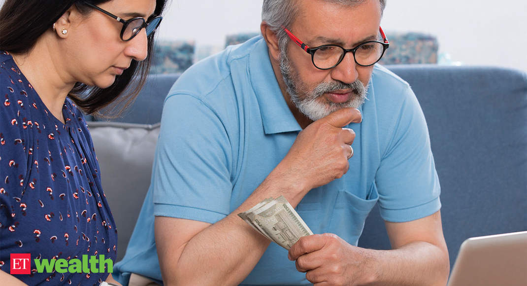 Money & relationships: Should you merge finances, assets with spouse? Here's help